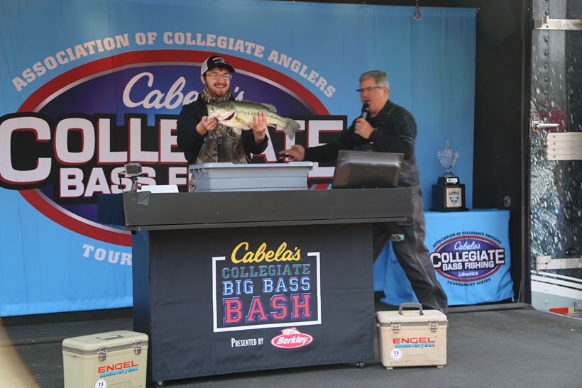 Cabela s collegiate big bass bash presented by berkley for Cabelas college fishing